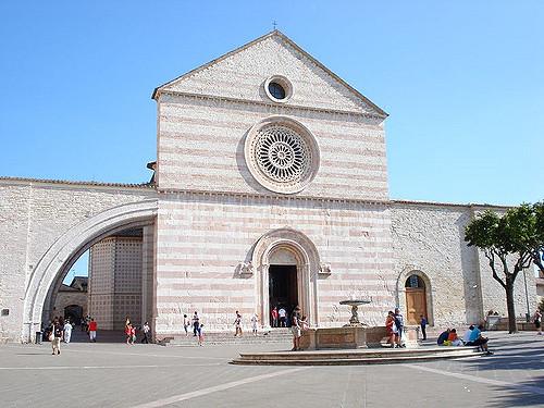 DHvillas-Basilica di Santa Chiara