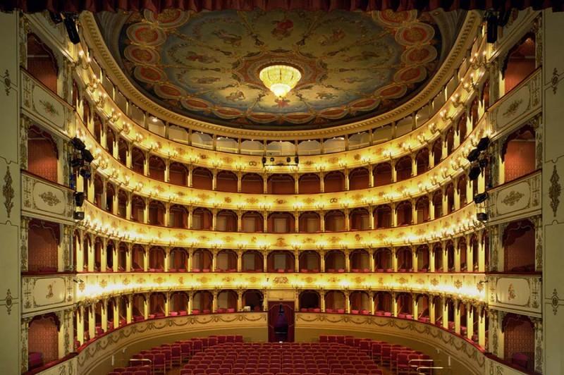 DHvillas-Teatro Rossini - Pesaro-1