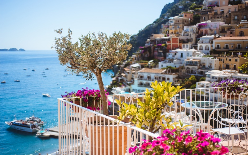 romantic getaway in italy